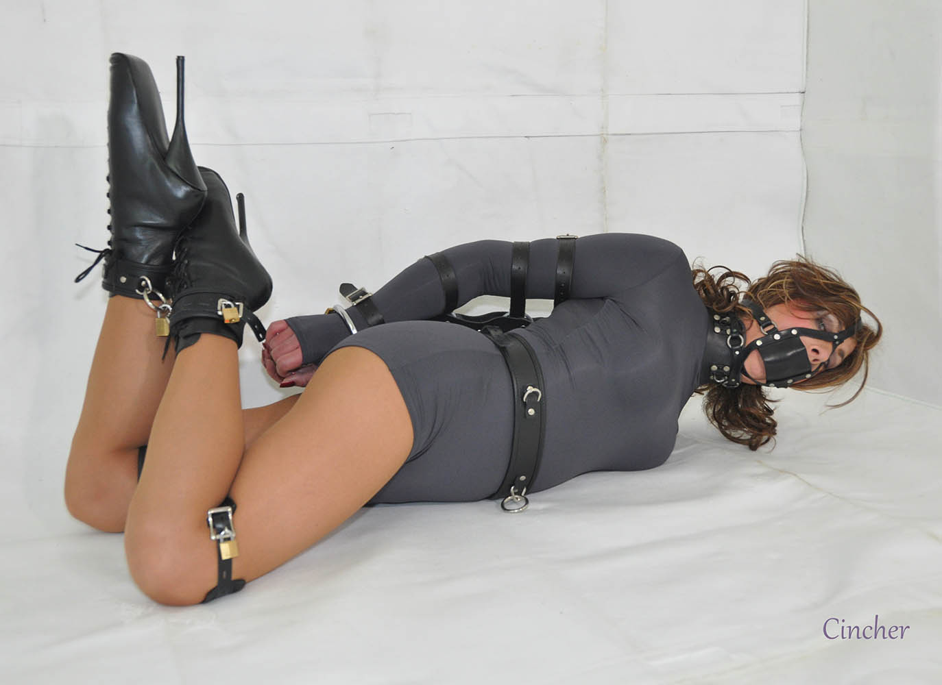 Trannies In Bondage 121